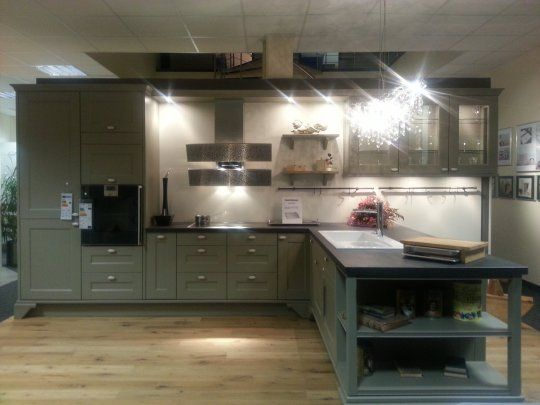 27 best large modern kitchens images on pinterest. Black Bedroom Furniture Sets. Home Design Ideas