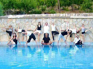 Yoga-Reisen mit Gleichgesinnten an die Lykische Küste. Reisedetails online unter: http://www.neuewege.com/Yoga-Reisen/Tuerkei/Lykische-Kueste/Seminar-Center-Olympos-Mitos-Yoga-Genuss--Kultur-Vitalwoche-an-der-Lykischen-Kueste-_TRG10