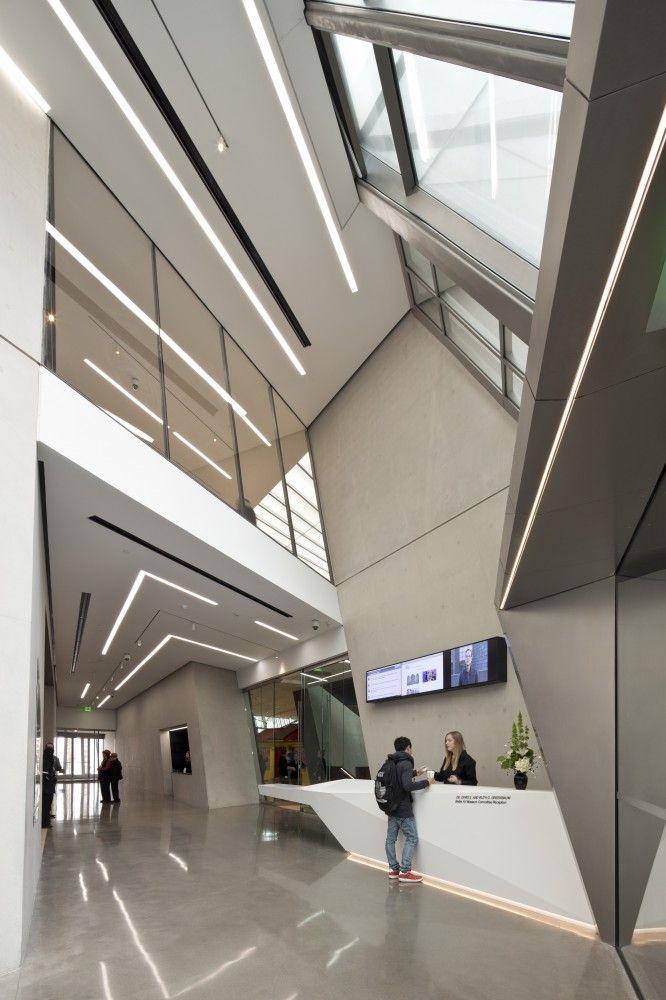Eli & Edythe Broad Art Museum / Zaha Hadid by Brad Feinknopf