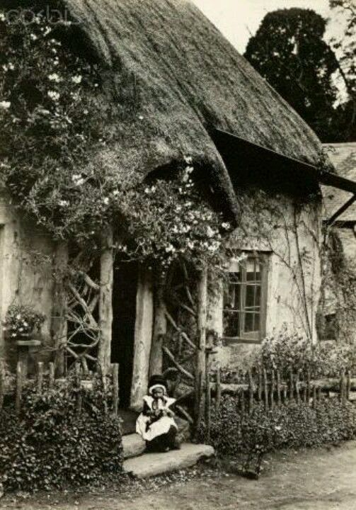 Old English Cottage Porch Livin Pinterest Casas De