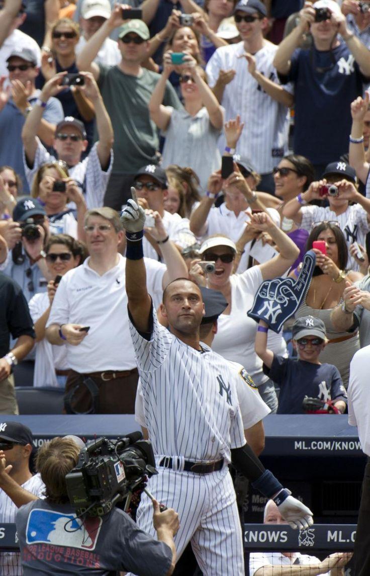 derek jeter new york yankees | Derek Jeter's Chase Over: Smashes Home Run for 3000th Hit [PHOTOS]