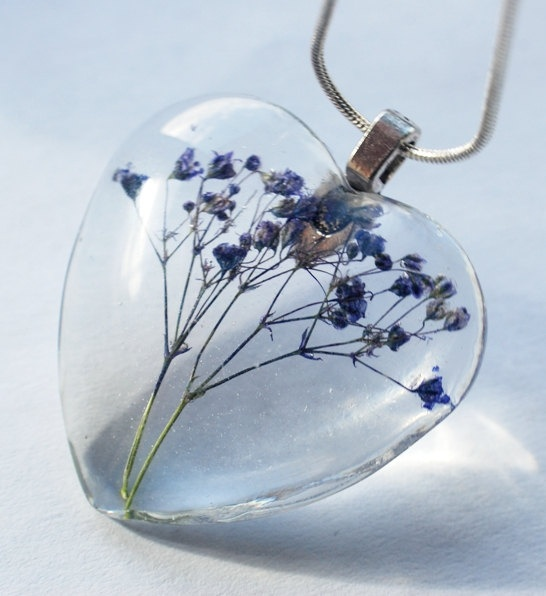 Real Flower Necklace Romantic Dark Blue Heart Baby's Breath In Ice Heart Botanical Necklace