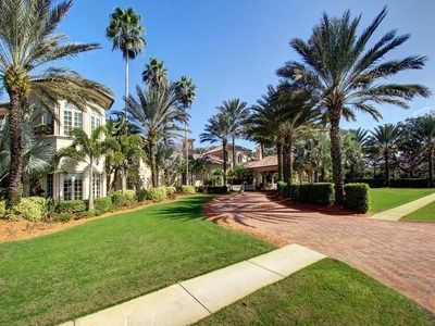 Tarpon Springs Home For Sale with virtual tour | Zillow ~ Magnificent Mediterranean 16 acre estate consisting of a main residence with 21,000 square feet under roof, a guest house with 6200 square feet under roof, and a gated boardwalk leading to 11 miles of riding trails. Aesthetics, precision and ultimate craftsmanship are evident in every square inch of this home; not only is it beautiful, but it is an experience in the latest trends in luxury home construction. Nine bedrooms, 13 full…