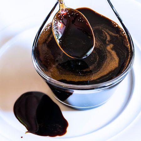 Come preparare Glassa di aceto balsamico col Bimby della Vorwerk, impara a preparare deliziosi piatti con le nostre ricette bimby
