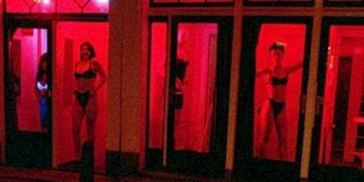 ... red light district (de Wallen) where a lot of hookers work. It is
