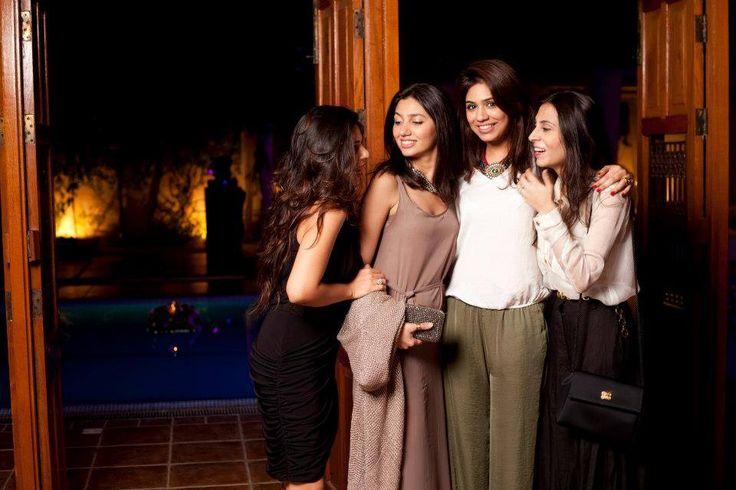 Mahira Khan  Like : www.unomatch.com/mahira-khan #MahiraKhan #PakistaniActress #Model #Vj #FashionModel #FilmActress #RomanticDramas #LuxhStyleAward #Unomatch #instagram #Fans #Celebrities #Humsafar #Biography #Personallife #Photos