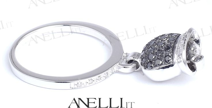 #Anello con Campanellina mobile in oro bianco 18 kt con diamanti bianchi e neri di prima scelta www.anelli.it #anelli #diamanti #gioielli #anellidiamanti #anellocampanella #pavèdiamanti #diamantineri