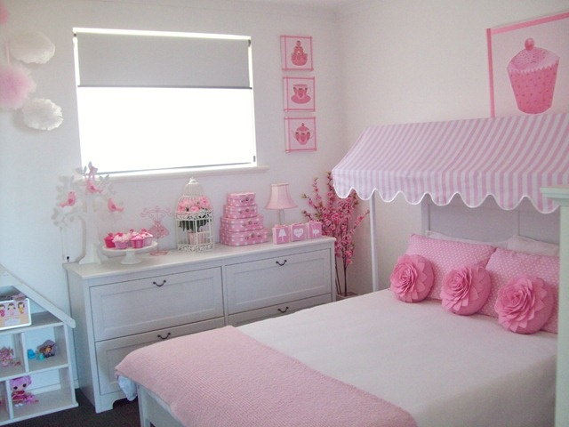 pretty in pink cupcake little girl's room