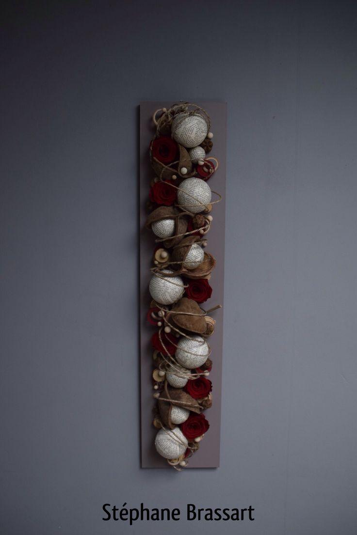 wand/tafel arrangement lang smal met rozen en ballen