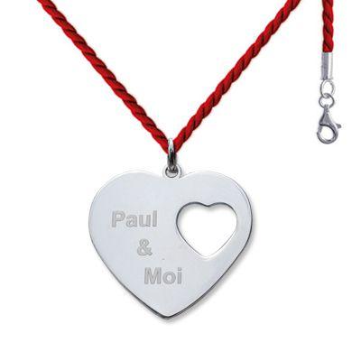 Un pendentif gravé avec vos prénoms. Un vrai bijou de Saint-Valentin pour une …