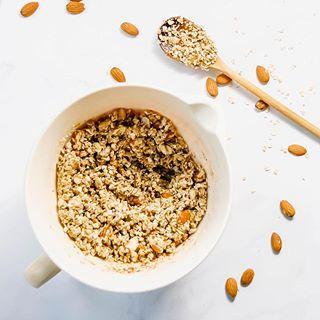 NEW!  Deliciously Basic Homemade Granola!!! A Granola that is: EASY to make & CUSTOMIZABLE!  Vegan, gluten-free and TASTY! (⛓LINK in bio!) . #vegan #glutenfree #granola #breakfast #brunch #maplesyrup #almonds #energybooster . #ontheblog #onthetable #foodgawker #foodandwine #thatsdarling #feedfeed #foodblogfeed #f52grams #easyrecipes #buzzfeast #bhgfood #realfood #eeeeeats #recipe #buzzfeedfood #instayum #eatingfortheinsta #huffposttaste #bonappetit #eater #whynotmakeitdelicious #fbcigers
