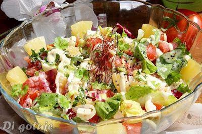 Di gotuje: Sałatka z mozzarellą, pomidorem i ananasem