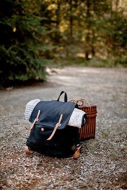 styling in natural daylight / outside / camping / backpack / picknick #bywstudent