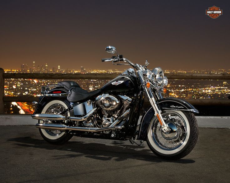 Harley-Davidson Softail Deluxe.
