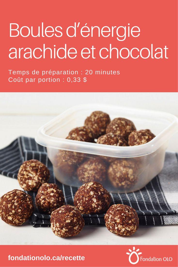 Une recette de boules d'énergie au beurre d'arachide et au chocolat. Amusant à préparer avec les enfants qui les raffoleront! --- Recette facile, Recette économique, Recette rapide, Recette nutritive --- #Chocolat #Arachide