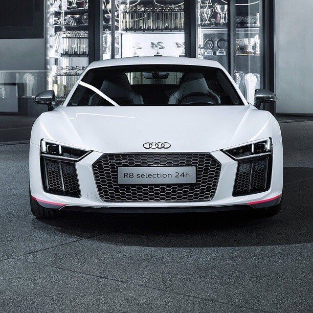 #motorsquare #dream4you #oftheday : #Audi #R8 V10 What Do You Think
