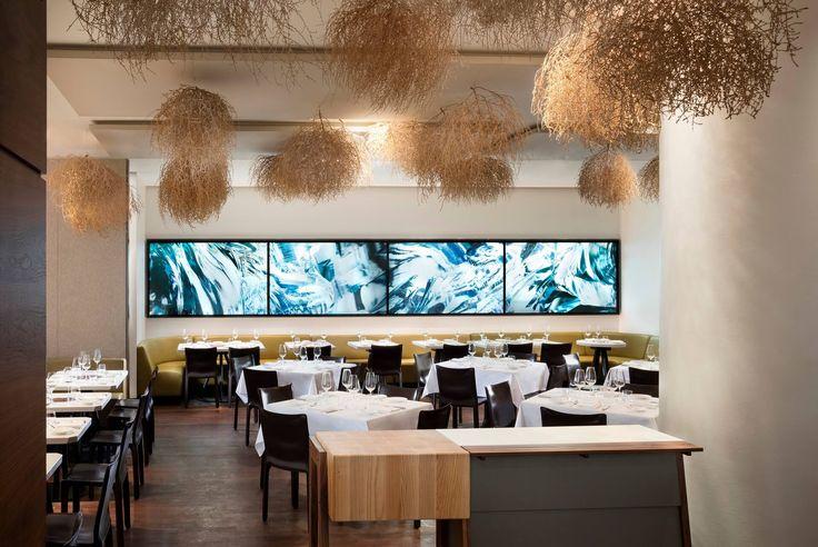 Situé dans le quartier populaire de Queen Street West à Toronto , la marque +tongtong s'est associé au propriétaire du restaurant le 'Nota Bene' , pour une rénovation exceptionnelle . #+tongtong #battle #car #crazy #déco #design #DIY #food #lifestyle #lsd #magazine #maison #mycs #reportage #toronto