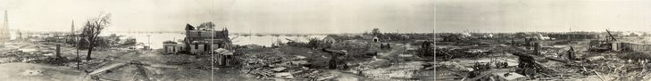 The-Goose-Creek-Oil-Field-after-the-cyclone-hit-it-5-24-19 - La boite verte