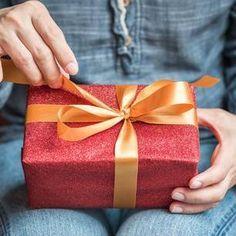 Der Geschenke-Countdown läuft. In diesem Jahr sind wir mal Streber und besorgen schon alles VOR dem 23sten. Weil wir nämlich das Schönste für unsere Lieben wollen. Geschenke