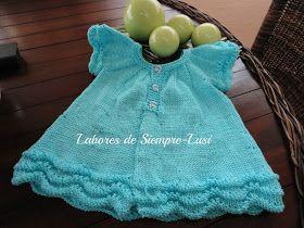 """Os presento un vestido de bebé ,que formará parte de la Canastilla que estoy preparando para mi segunda nieta """"Sara""""     El patrón origina..."""