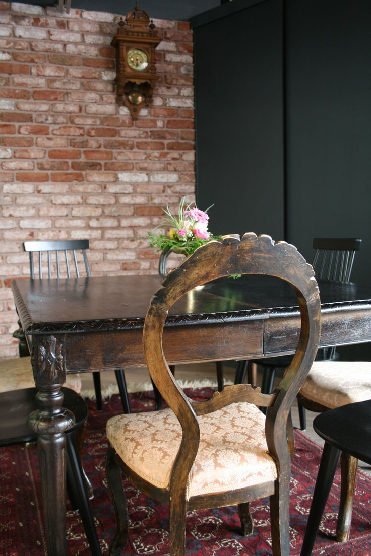 Cafe Zoceria's old furnitures