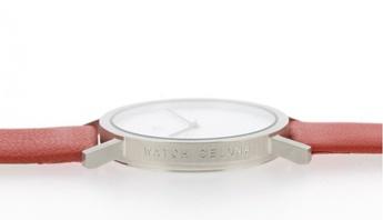 Reloj Watchcelona Basic esfera blanca con números arabes y correa piel roja. http://www.tutunca.es/watchcelona