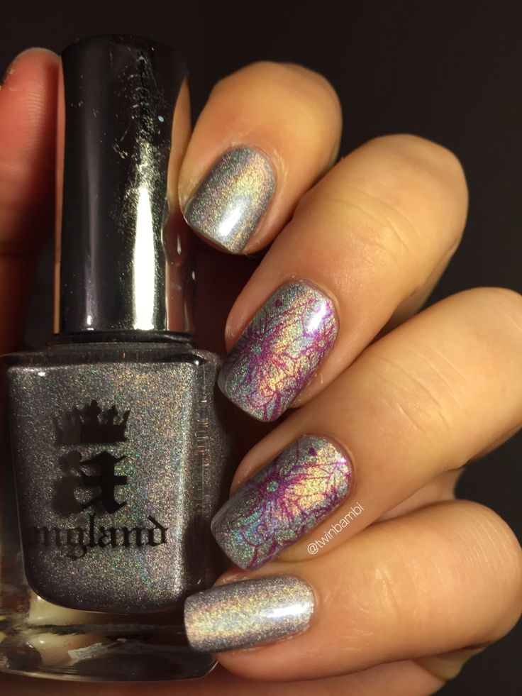 A England Encore Margot stamped with Crown Of Thistles  Polishes from LuxBeauty.dk  Stamping plate from Born Pretty Store