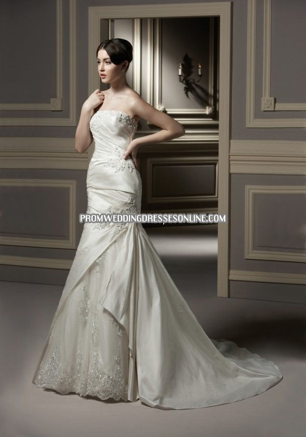 Anjolique Wedding Dresses, close to what my dress looks like :)