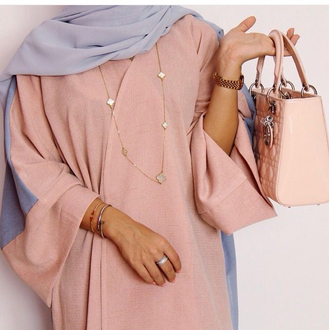 Pinterest: @eighthhorcruxx. Beautiful pink Abaya