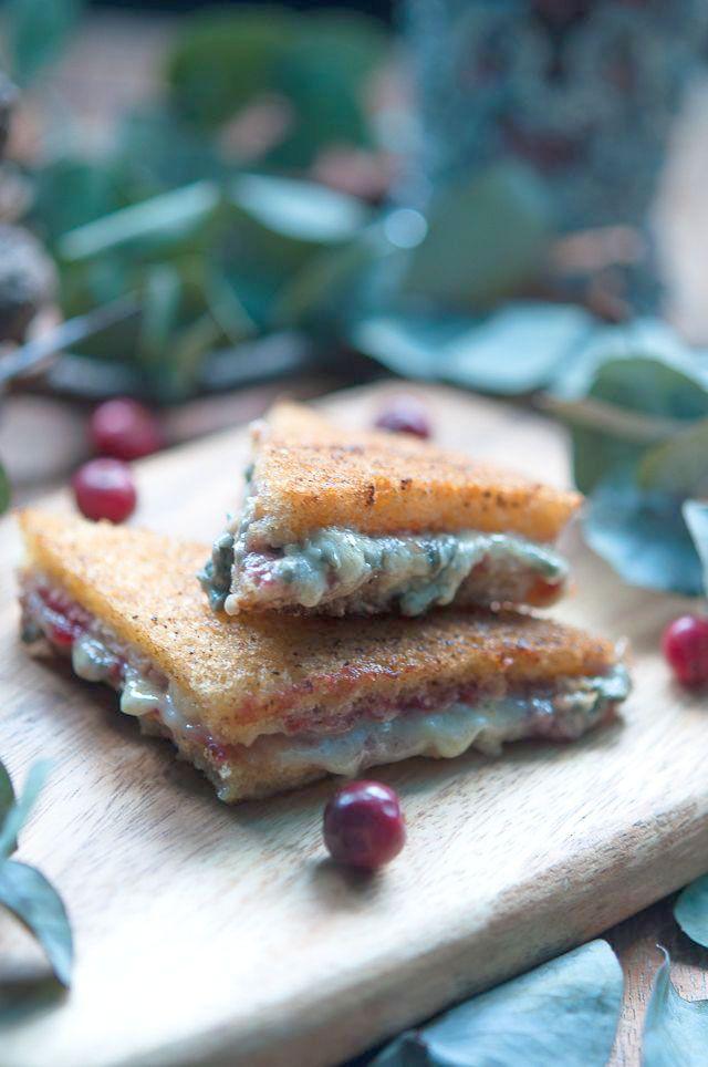 Croque-monsieur roquefort confiture de cranberry