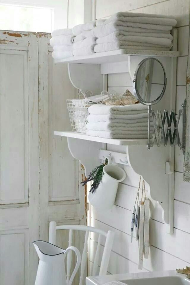 616 best shabby chic bathrooms images on pinterest for Idee deco retro chic