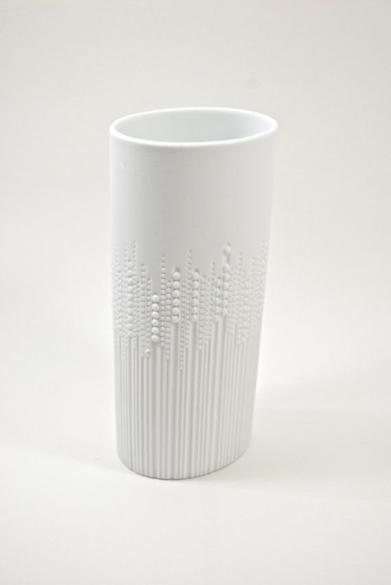 love this vase by artist Tapio Wirkkala
