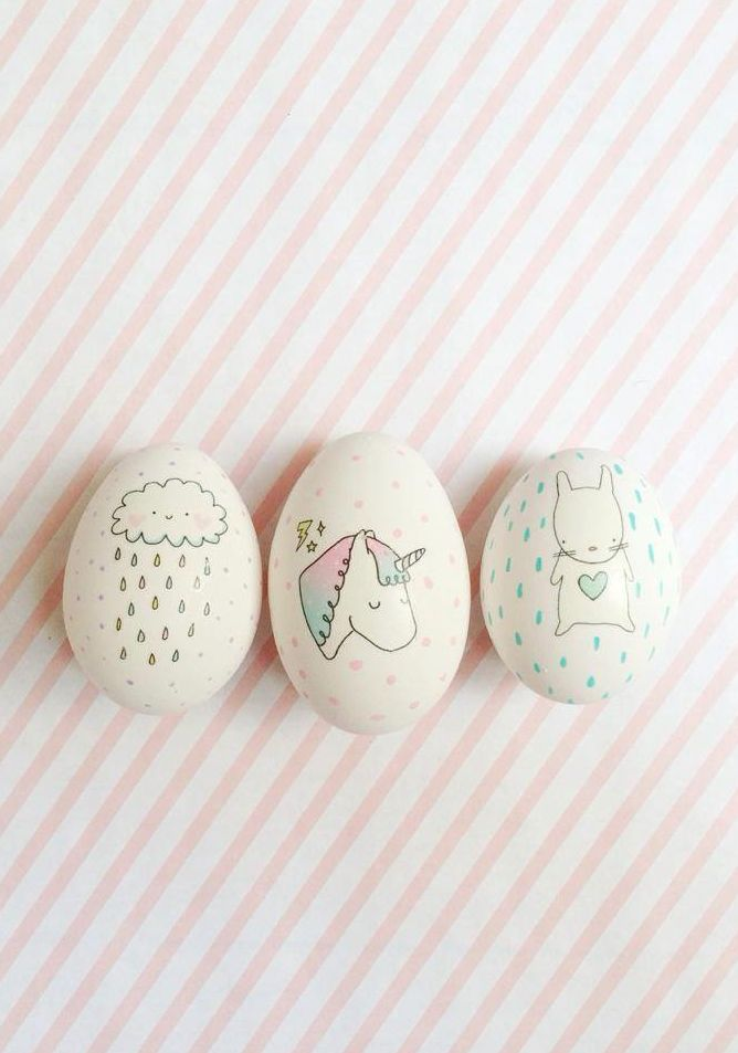 Decorate easter eggs using temporary tattoos