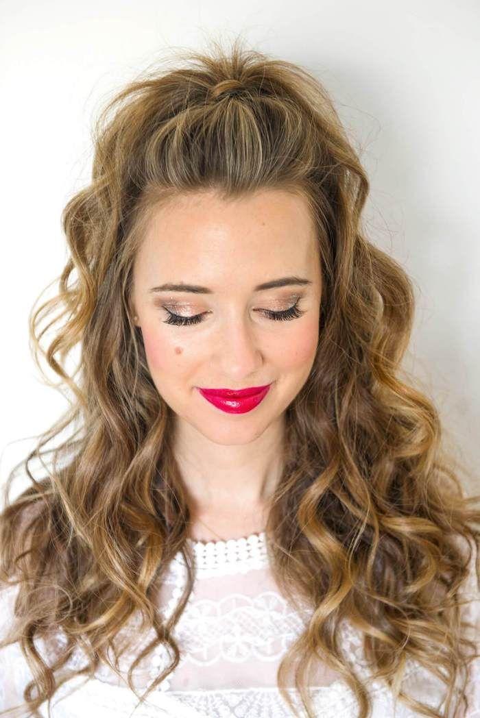1001 Ideen Und Inspirationen Wie Sie Ihre Augen Schminken Hellbraunes Haar Locken Lange Haare Locken Machen