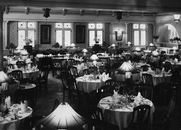 The Hydro Majestic Dining Room. it even had electric lights on the Tables.