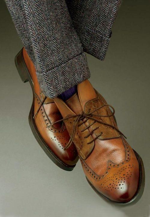 Pantalon en tweed et souliers en cuir