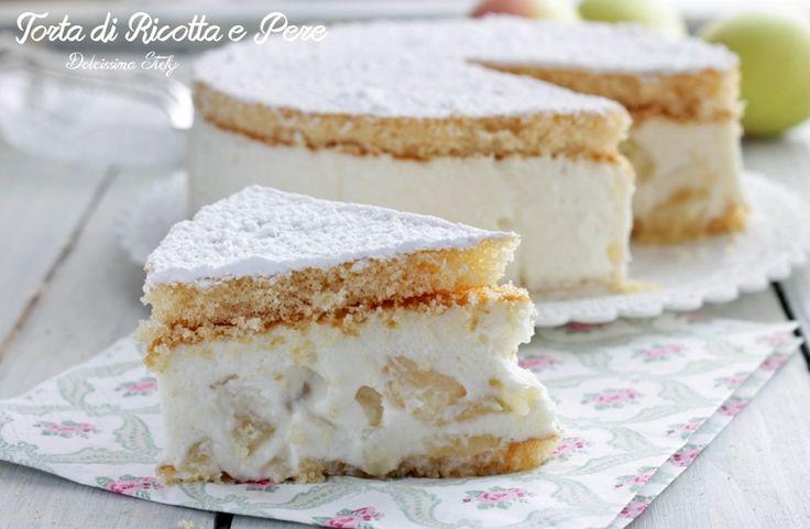 Una golosissima Torta di Ricotta e Pere senza cottura, facilissima da preparare, cremosa e delicata. Una vera bontà per il palato questo dolce freddo :)