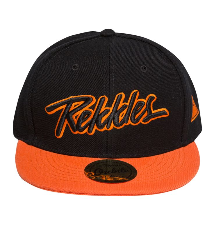 This Orcbite Rekkles cap features an embroidered (3D) Orcbite designed Rekkles text on the front, embroidered Orcbite Triangle logo at the wearer's left side and a snapback closure for an adjustable fit. Above the Snap there is an embroidered (2D) Fnatic logo.
