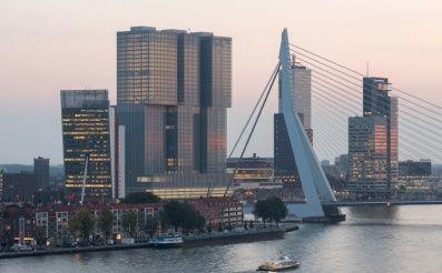 Po 16-tich rokoch projektovania sa úspešne prestrihla páska na jednej z najväčších budov Európy, De Rotterdam. Hlavný architekt, Rem Koolhaas