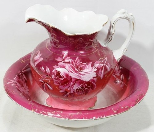 Darm pink pitcher and bowl with pink floral design