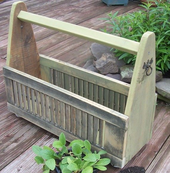 Great idea to turn 2 small shutters into a basket/box for wash rags and other bath supplies holder, or kitchen supplies, or a garden planter box for plants and flowers. Great start for a centerpiece idea too!