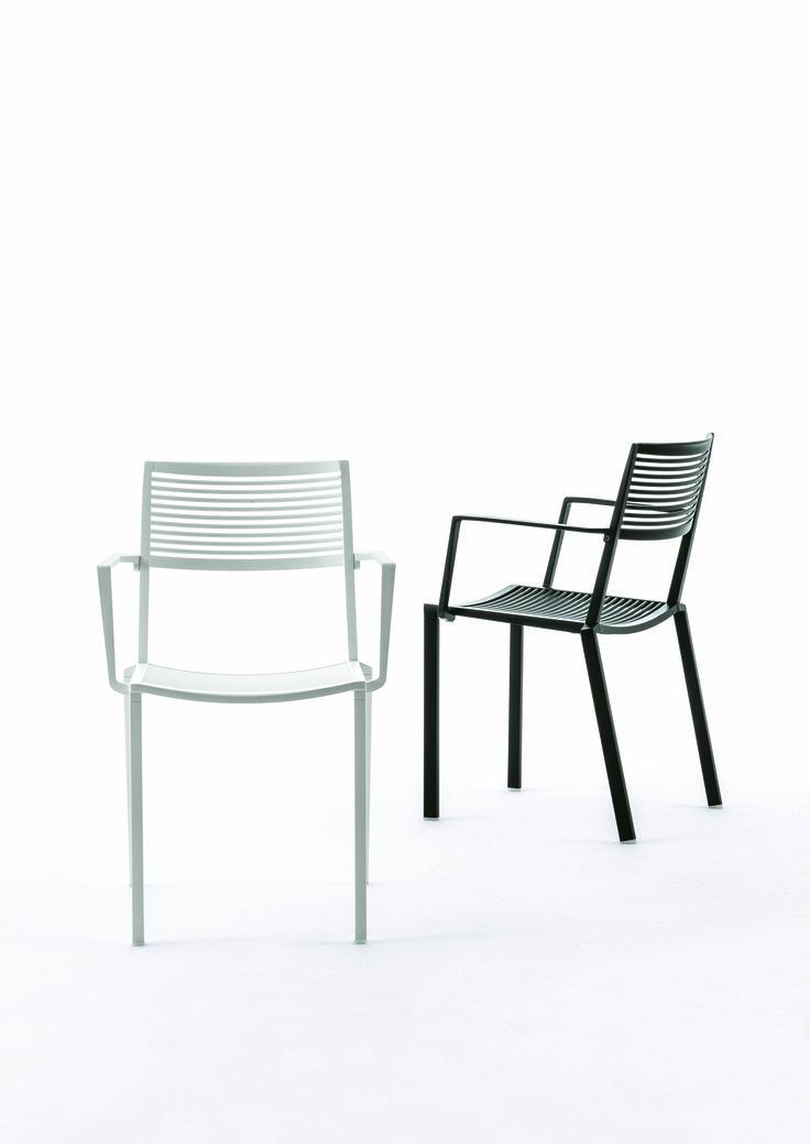 EASY collection. Armchair in painted aluminium / Sedia in alluminio verniciato. FAST IN_OUT_ALUMINIUM