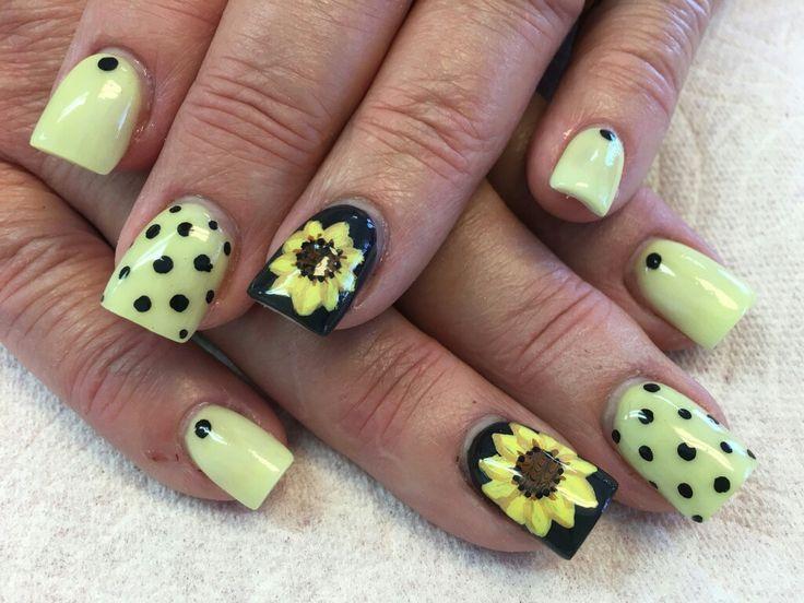 #nails #lovemyjob #handpainted