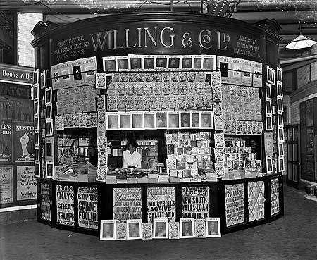 Willing & Co bookstall, Bank Station, City, Aug 1916