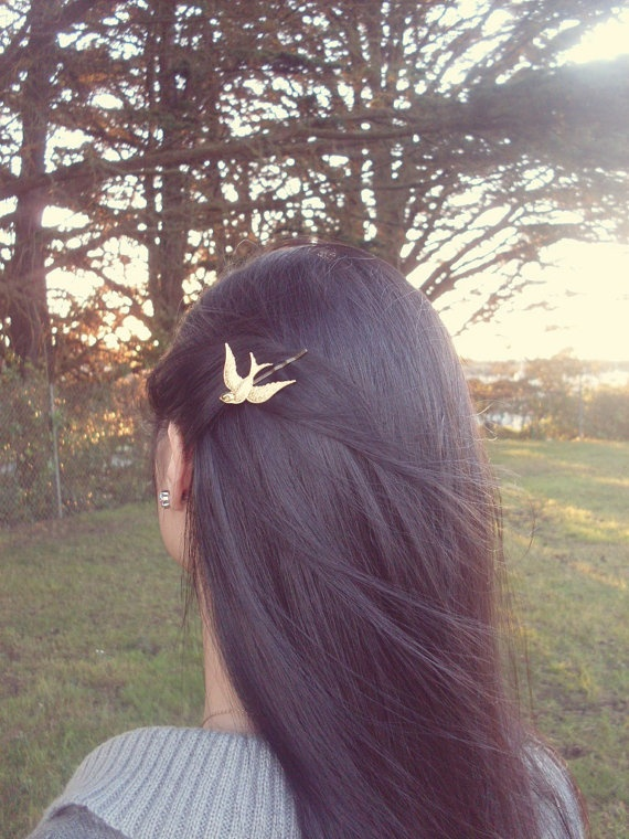 this reminds me of @Ginny Simmons (:: Brunettes Hair, Bobbypin, Hunger Games, Bobby Pins, Hair Accessories, Birds Bobby, Hair Clip, Hair Color, The Hunger Game