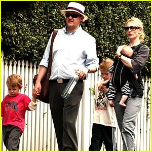 Cate Blanchett and Andrew Upton, married since 1997 <3 I love to see solid families in Hollywood!