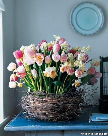 Get a Fresh new Feel in your Home this Spring.  decorating_with_spring_flowers_20