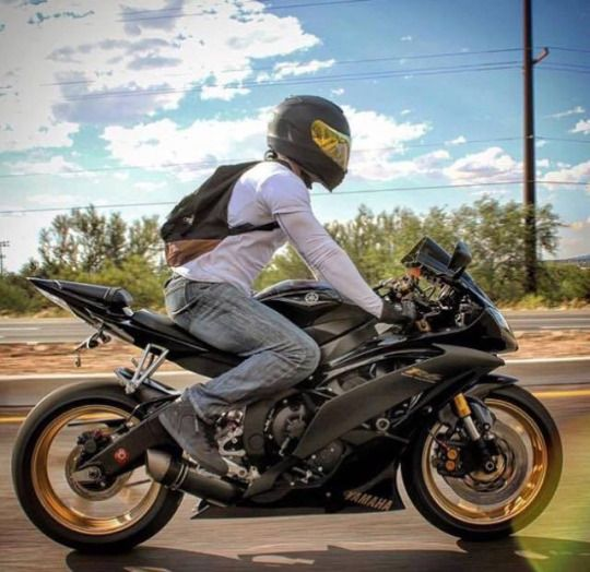 Yamaha R6. Motorcycles, bikers and more