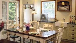 Résultats de recherche d'images pour «couleur armoire de cuisine champetre en bois»