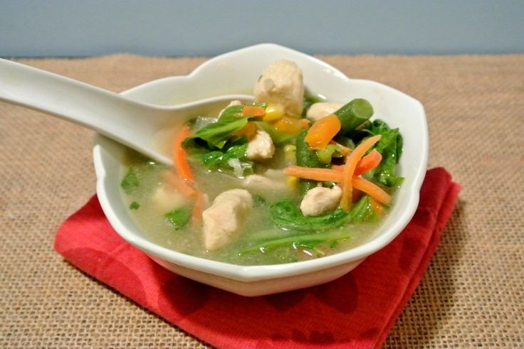 On the Lighter Side for #Sundaysupper, This Detox Chicken Bok Choy Soup is a great way to kick off the new year.